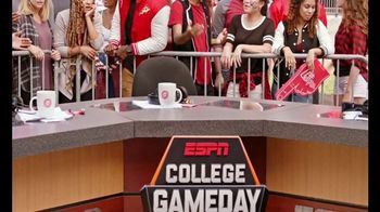 Pizza Hut Rewards TV Spot, 'ESPN: More Free Pizza' Featuring Maria Taylor - Thumbnail 6