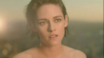 Chanel Gabrielle TV Spot, 'Film' Feat. Kristen Stewart, Song by Naughty Boy - Thumbnail 8