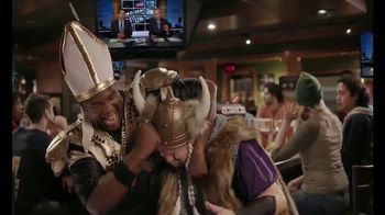 Applebee's 2 for $20 TV Spot, 'ESPN: Bringing Rivals Together' - Thumbnail 9