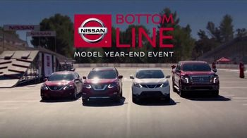 Nissan Bottom Line Model Year-End Event TV Spot, 'Heisman Trophy' [T2] - Thumbnail 7