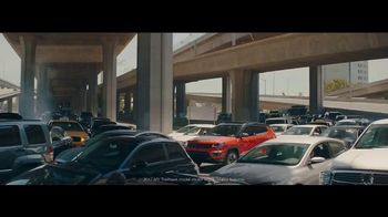 Jeep Labor Day Sales Event TV Spot, 'Traffic Jams' [T2] - Thumbnail 1