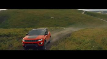 Jeep Labor Day Sales Event TV Spot, 'Traffic Jams' [T2] - Thumbnail 5