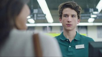 Cricket Wireless Unlimited 2 Plan TV Spot, 'Don't Sacrifice' - Thumbnail 7