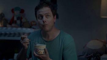 Campbell's Chunky Maxx Soup TV Spot, '3 a.m. Feeding With Luke Kuechly' - Thumbnail 4