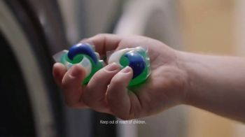 Tide PODS Plus Downy TV Spot, 'Denim Hacks Made Simple' - Thumbnail 5