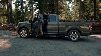 2018 Ford F-150 TV Spot, 'You're the QB With the New 2018 Ford F-150' [T1] - Thumbnail 5