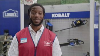 Lowe's TV Spot, 'Backyard Moment: Mulch' - Thumbnail 5