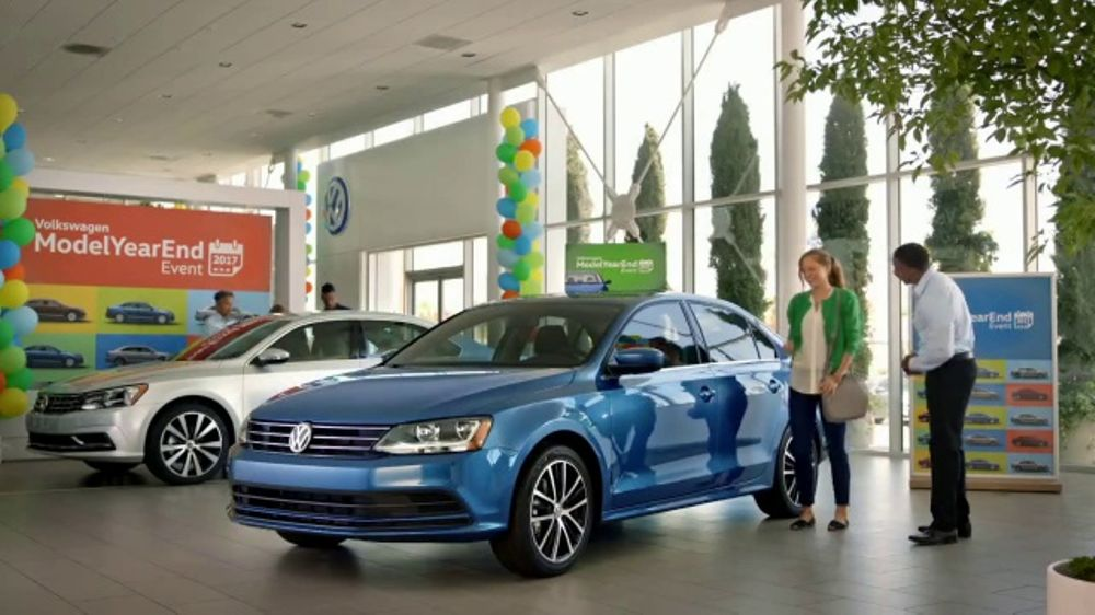 Volkswagen Model Year End Event TV Commercial, 'Score a Deal' [T2] - iSpot.tv