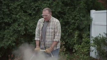 Lowe's TV Spot, 'Backyard Moment: Fertilizer' - Thumbnail 3