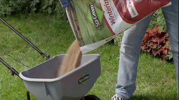 Lowe's TV Spot, 'Backyard Moment: Fertilizer' - Thumbnail 7