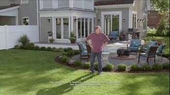 Lowe's TV Spot, 'Backyard Moment: Fertilizer' - Thumbnail 8