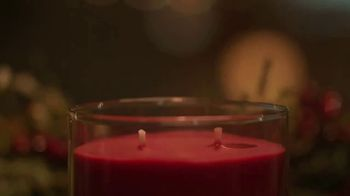 Yankee Candle 2017 Holiday Collection TV Spot, 'Meant to Be' - Thumbnail 6