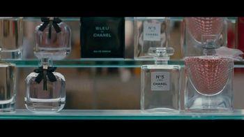 Macy's TV Spot, 'Perfect Gift: At Sea' - Thumbnail 2