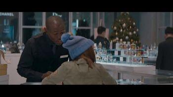Macy's TV Spot, 'Perfect Gift: At Sea' - Thumbnail 3