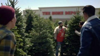 The Home Depot Black Friday Savings TV Spot, 'Árboles de Navidad' [Spanish] - Thumbnail 1