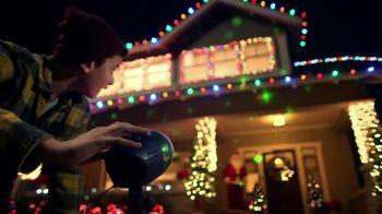 The Home Depot Black Friday Savings TV Spot, 'Árboles de Navidad' [Spanish] - Thumbnail 4