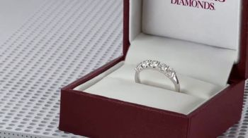 Helzberg Diamonds TV Spot, 'Holiday Xbox Offer: Outside the Box' - Thumbnail 5