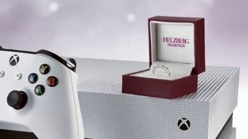 Helzberg Diamonds TV Spot, 'Holiday Xbox Offer: Outside the Box' - Thumbnail 6