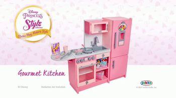 Disney Princess Style Collection Gourmet Kitchen TV Spot, 'Cooking' - Thumbnail 10