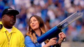 FOX Sports GO TV Spot, 'T-Shirt Cannon' - Thumbnail 2