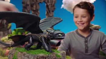 DreamWorks Dragons Barrel Roll Toothless TV Spot, 'Defend Berk'