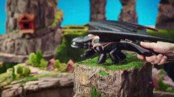 DreamWorks Dragons Barrel Roll Toothless TV Spot, 'Defend Berk' - Thumbnail 5