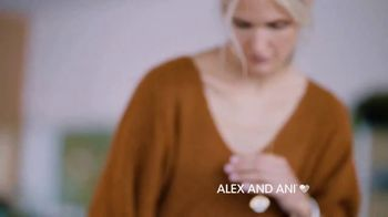 Alex and Ani Meditating Eye TV Spot, '#SymbolRightNow: Gratitude' - Thumbnail 7