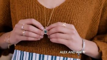 Alex and Ani Meditating Eye TV Spot, '#SymbolRightNow: Gratitude' - Thumbnail 9