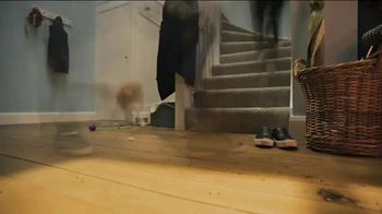 Dyson V8 TV Spot, 'Powerful Suction' - Thumbnail 1