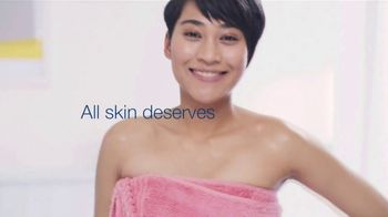 Dove Deep Moisture Body Wash TV Spot, 'Wash Tag' - Thumbnail 5