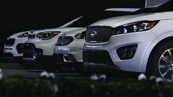 Kia Light Up the Holidays Sales Event TV Spot, 'Light Show' - Thumbnail 2