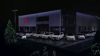 Kia Light Up the Holidays Sales Event TV Spot, 'Light Show' - Thumbnail 6