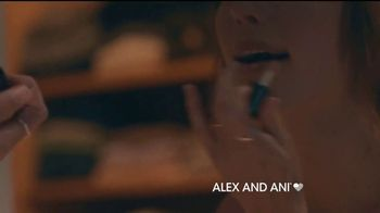 Alex and Ani Crescent Moon TV Spot, 'What's Your #SymbolRightNow: Glow' - Thumbnail 4