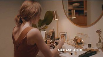 Alex and Ani Crescent Moon TV Spot, 'What's Your #SymbolRightNow: Glow' - Thumbnail 6