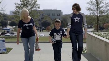 NFL TV Spot, 'A Dallas Cowboys Thanksgiving Surprise' - Thumbnail 4