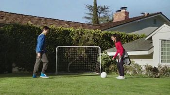 Pepsi TV Spot, 'Mamá futbolista' canción de William Davies [Spanish] - Thumbnail 1