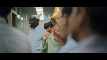 Hanes Fresh IQ TV Spot, 'End the Smelfie: Free Boxer Brief' - Thumbnail 6