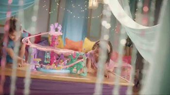 Shimmer and Shine Teenie Genies Magic Carpet Adventure TV Spot, 'Fly' - Thumbnail 2