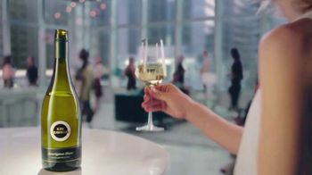 Kim Crawford Sauvignon Blanc TV Spot, 'Elevate the Moment' - Thumbnail 5