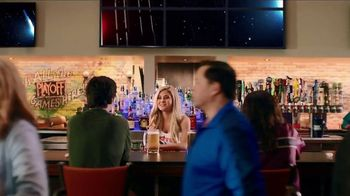 Hooters TV Spot, 'Buddies' - Thumbnail 1