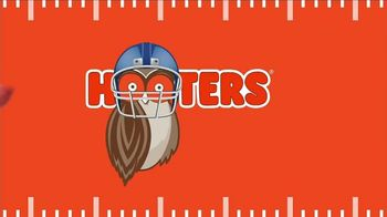 Hooters TV Spot, 'Buddies' - Thumbnail 7