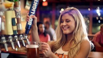 Hooters TV Spot, 'Buddies' - Thumbnail 3