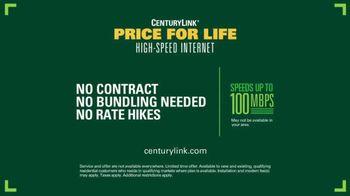 CenturyLink Price for Life High-Speed Internet TV Spot, 'Bench: 100 MBPS' - Thumbnail 9