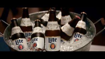 Miller Lite TV Spot, 'Steinie SL' [Spanish] - Thumbnail 2