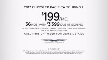 2017 Chrysler Pacifica TV Spot, 'Discover' [T2] - Thumbnail 5
