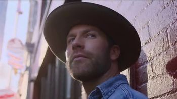 GEICO TV Spot, 'CMT: Artist of the Year' Featuring Drake White - Thumbnail 5