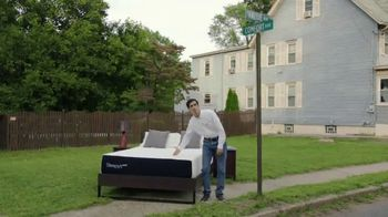 Mattress Firm TV Spot, 'Sleepy's: At the Intersection of Comfort and Value' - Thumbnail 9