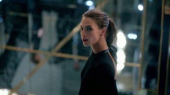 Yves Saint Laurent Beauty Mon Paris TV Spot, 'Amor' [Spanish] - Thumbnail 4