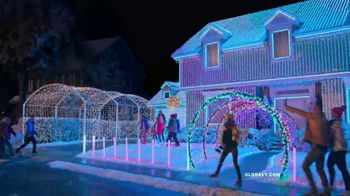 Old Navy TV Spot, 'Electric HoliYAY Style' Song by Major Lazer - Thumbnail 5