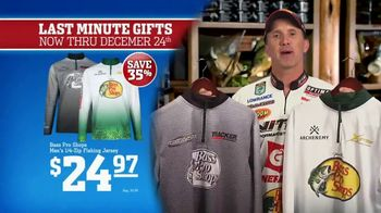 Bass Pro Shops Christmas Sale TV Spot, 'Gifts: Slippers and Fryers' - Thumbnail 4